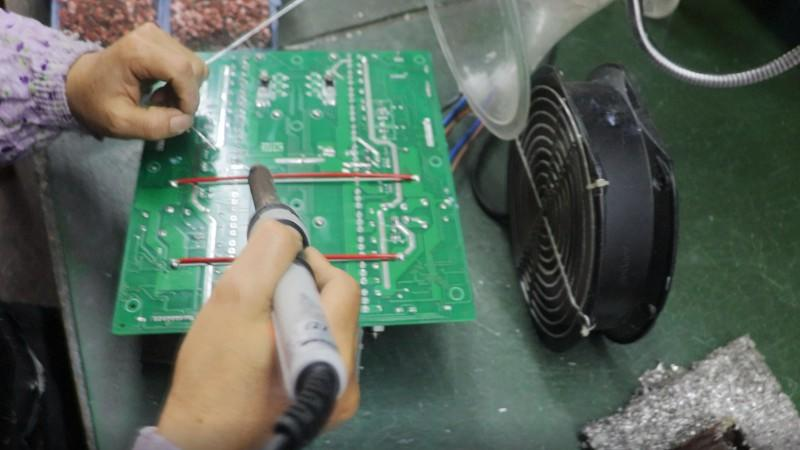 Amplifier motherboard solder